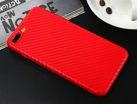 Чехол-накладка на Apple iPhone 6/6S Plus, силикон, карбон, красный