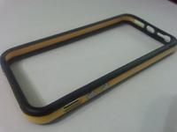 Бампер на Apple iPhone 5/5S, силикон, пластик, черно-желтый
