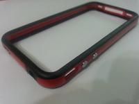 Бампер на Apple iPhone 4/4S, силикон, пластик, черно-красный