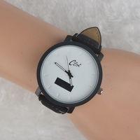 Часы наручные Clot, ц.белый, р.черный, кожа